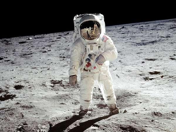 Apollo 11 Buzz