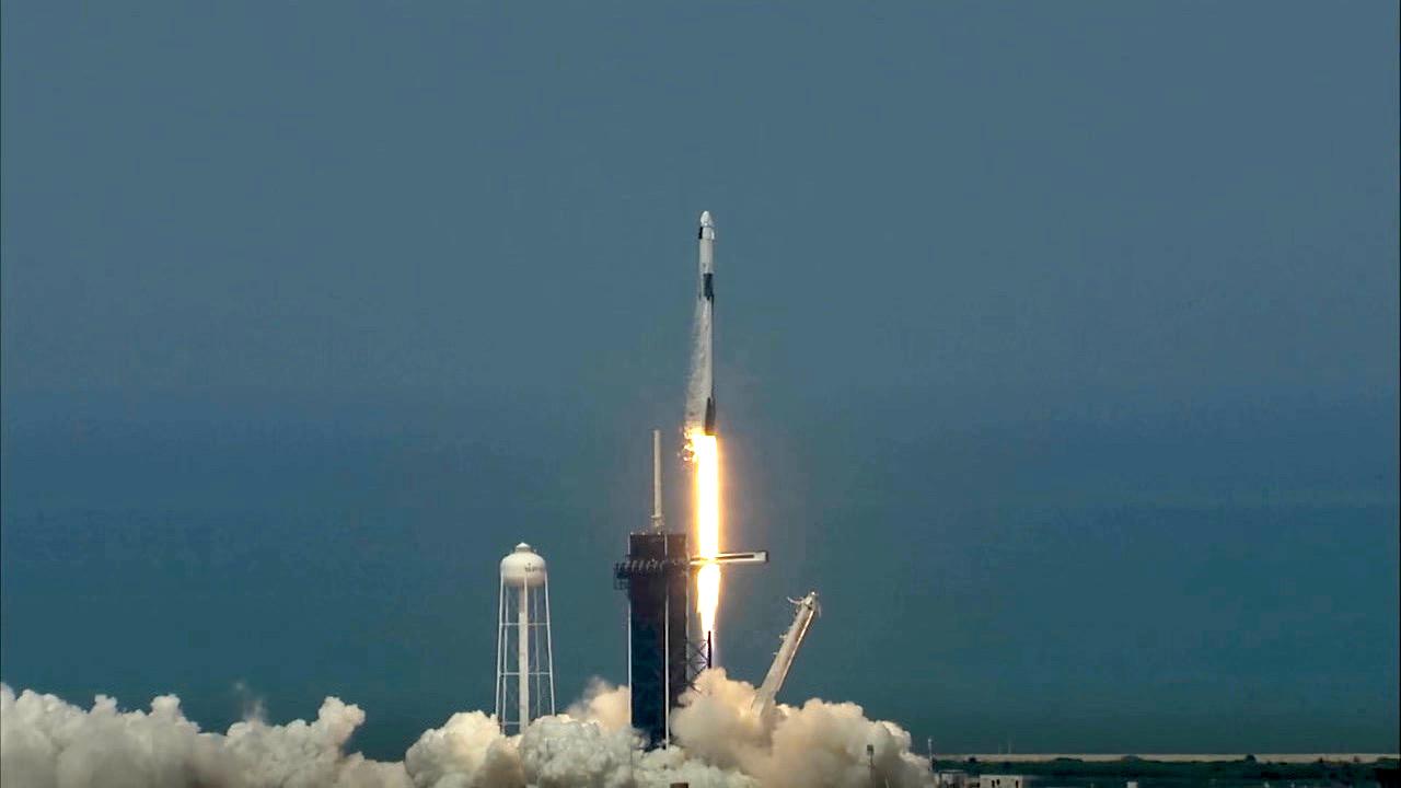 nasa-spacex-crew-dragon-launch-may-2020-1